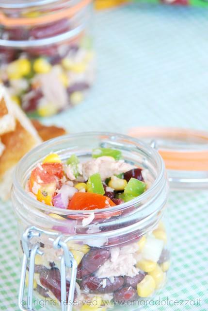 insalata di fagioli rossi, tonno e mais