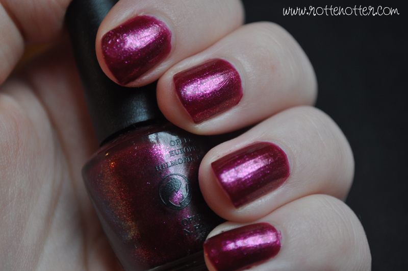 NOTD opi the one that got away nail polish 02