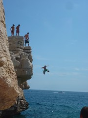 Cliff jumping in Cassis