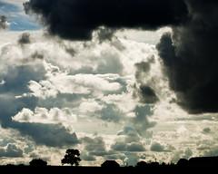 [フリー画像] 自然・風景, 空, 雲, 暗雲, 201109072300