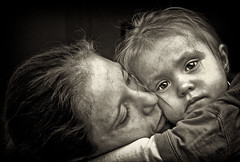 woman with daughter (QL-ART) Tags: people woman art love girl blackwhite eyes child mother safety emotions binding alwaysexc bestportraitsaoi elitegalleryaoi dblringexcellence tplringexcellence eltringexcellence artql