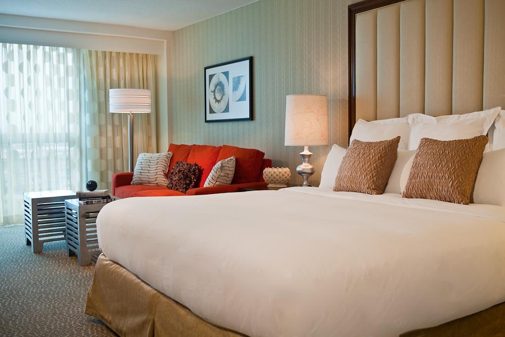 Renaissance Newark Luxury Hotel Room