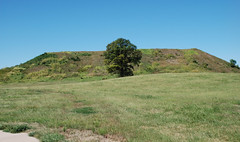 Monks Mound, Cahokia Mounds State Historic Site (ihynz7) Tags: archaeology illinois worldheritagesite nativeamerican moundbuilders cahokiamounds statehistoricsite