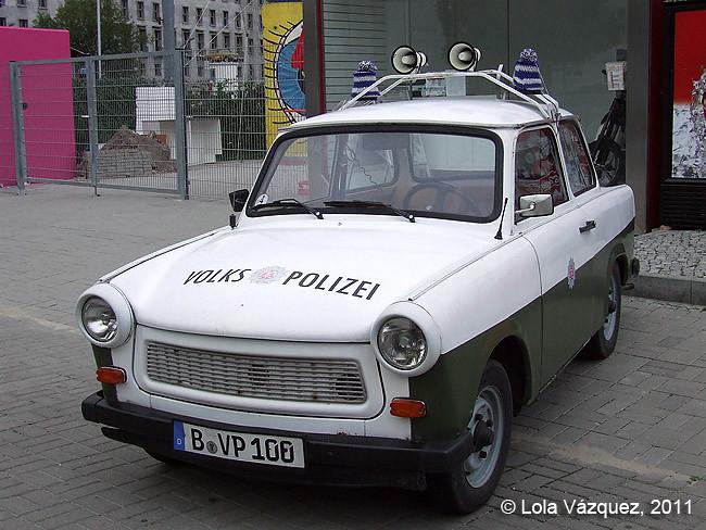 Berlín - Trabant, coche de policía de la DDR