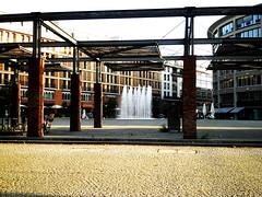 Walther von Cronberg-Plaza, Frankfurt/Main 201 (Spiegelneuronen) Tags: springbrunnen frankfurtmain deutschherrnufer