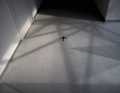 pasajes del cuerpo contemporaneo (maximorgana) Tags: shadow abstract wall museum floor corridor arrow abstraction cartagena noncoloursincolour muram