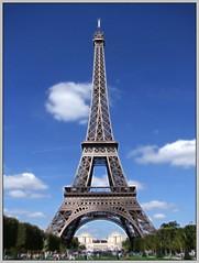 EIFFEL VERTICAL (Sigurd66) Tags: paris france frankreich ledefrance eiffeltower frana eiffel toureiffel torreeiffel champdemars prizs francia parijs pars parigi pras rpubliquefranaise gustaveeiffel pary lutetia frantzia pa paries francja ironlady pariisi pariis pariz campodemarte par parizo theironlady ladamedefer parsi parze paryius paris fras paryzh brs pari