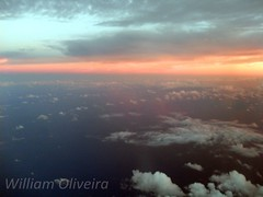 PR-GTR (William Oliveira.) Tags: sky sol clouds plane flying do photographer aircraft aviation young cu cielo boeing flugzeug avin por aereo brasile tarde gol aviao brsil entardecer voando  aviacin 737800 aviacion  luftfahrt    aviacao youngphotographers wingview  laviation   prgtr dzlem   airplane plan