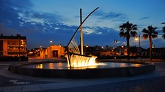 Sail Boat Fountain (~ MXXM) Tags: world light fountain valencia photoshop painting happy photography boat spain day photographer no august sail 19 worldphotographyday trackbacks mxxm