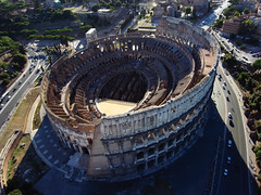 Colise, Rome (Fanny et Anthony (NonSenZ)) Tags: italy kite rome photography aerial kap italie kiteaerialphotography colosseo colise amphithtreflavien photographiearienneparcerfvolant nonsenz alfp vestigesantiquesromains