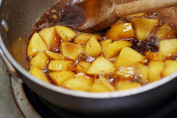 Peach compote in pan