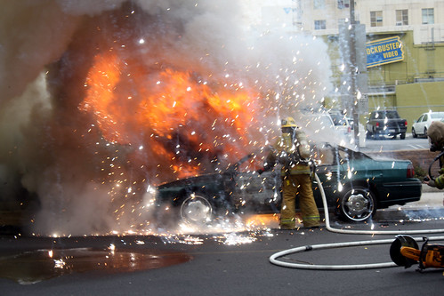 フリー写真素材, 社会・環境, 事件・事故, 自動車, 警察・消防, 火災・火事, アメリカ合衆国,