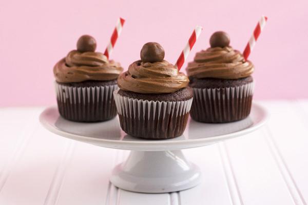 Cupcakes Take The Cake: Chocolate malt cupcakes plus recipe link!