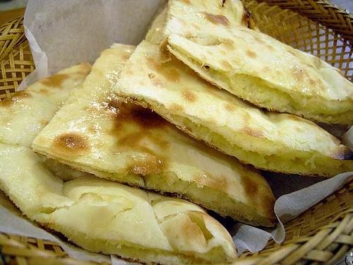 カシミリーチーズナン