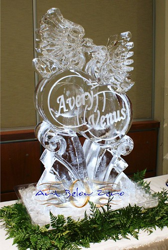 Doves on Rings ice sculpture