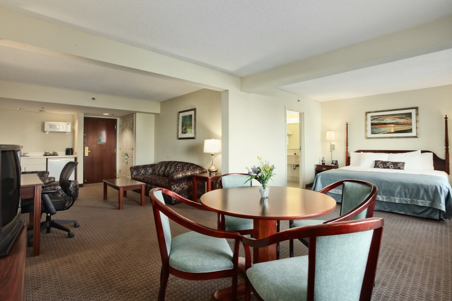 King Suite At Clearwater FL Hotel