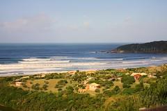 (G.Perretto (OFF)) Tags: sunset pordosol praia beach landscape bay waves paisagem gustavo santacatarina praiadorosa ondas baa canon450d perretto