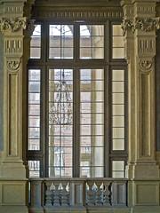 Torino - Palazzo Madama (puss_in_boots) Tags: door italy architecture torino piemonte palazzo turin vindow madama