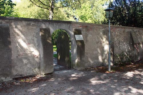 Durchgang zum Botanischen Garten München
