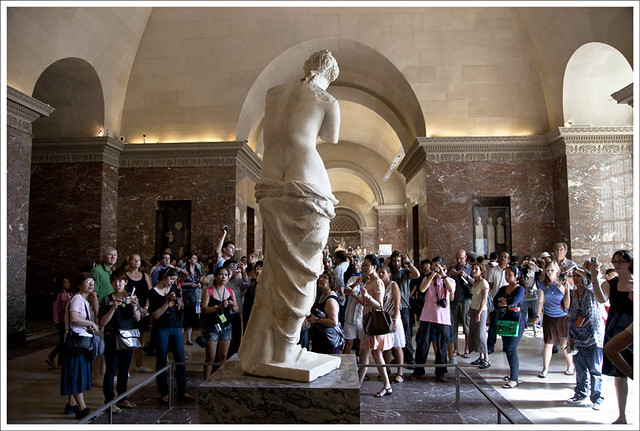 Louvre 1 (Tourists and Venus)