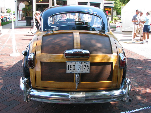 illinois geneva carshow 1948chryslertownandcountry 2011genevaconcoursdelegance