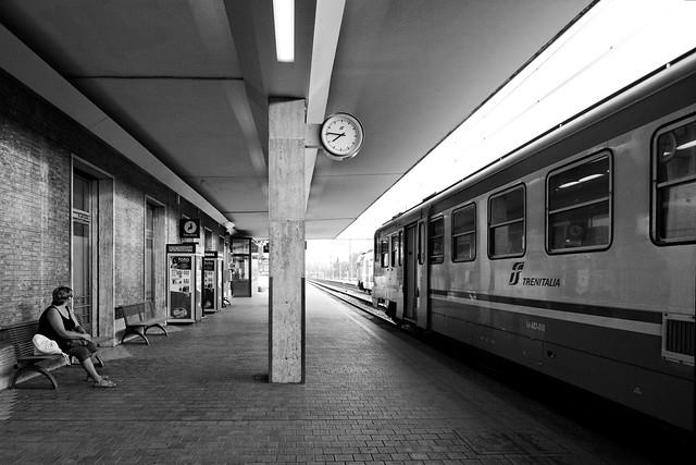 La gare de Ravenne au petit matin du dimancche