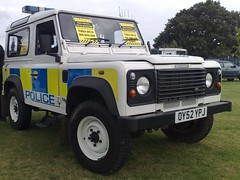HERTFORDSHIRE POLICE  DEFENDER (NW54 LONDON) Tags: landroverdefender90 hertfordshirepolice