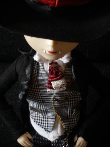 Mannfred Von Carstein (Taeyang lunatic white rabbitt) 6140674864_bf5be67b17