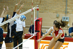 NCAA Volleyball (n8xd) Tags: girls net college girl female ball nikon women university state attack womens valley volleyball svsu shorts f2 vs ncaa volley northwood vollyball 200mm pallavolo saginaw f20 voleibol plfoli  siatkwka  volleyboll   microwavephoto volleyeuse    eitpheil