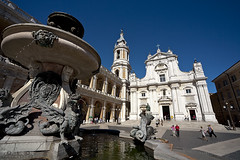 Loreto - Scorcio 02 (Promix The One) Tags: blu basilica campanile cielo piazza fontana marche facciata canoneos1dsmarkii loretoan sigmadg1530f3545exasph