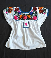 Zapotec Blouse Mexico (Teyacapan) Tags: mexico clothing embroidery mexican textiles ropa blouses bordado mexicanas zapotec blusas teitipac