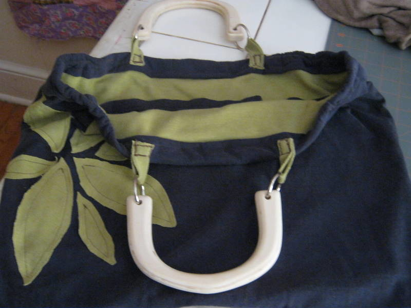 t-shirt handbag w/pockets