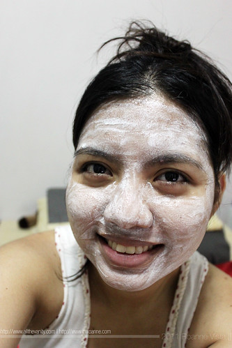 Me in Tony Moly Tomatox Magic White Massage Pack