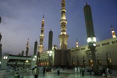 Nabawi Mosque at Dawn (Hairee Huzainee Photo) Tags: muslim mosque medina ramadan ramadhan masjid kareem  madinah almadinah