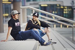 AnyFort Life (Rick Nunn) Tags: portrait manchester clothing shots steps hats rick nike jeans sit danny casual brand nunn streetwear 3da canonef135mmf2l snapback anyforty vsortpop