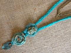 Colar Afrodite (Cris Art´s2010) Tags: colar colares colarcomflor colarartesanal colardefuxico
