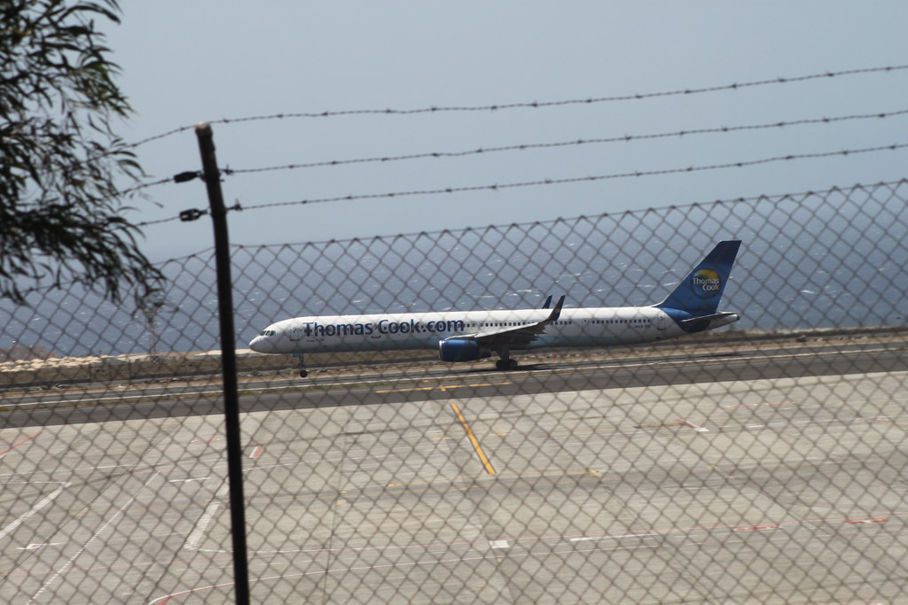 Thomas Cook 757-300 @ Tenerife Sur Airport
