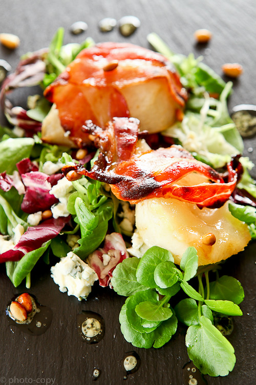 baked pear salad with bacon and danish blue cheese