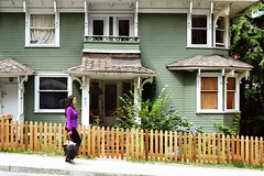 Passed the wooden house (Virtual Zavie) Tags: street wood house canada green vancouver fence walking purple britishcolumbia canonef50mmf18ii