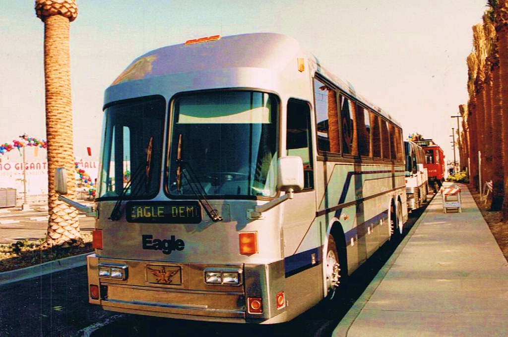 1996 Eagle Coach Corp. M15-45 LT Smooth Side Demo