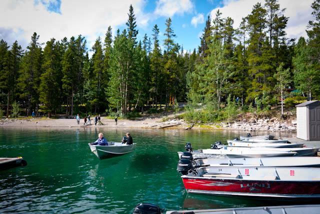 Alquiler de botes en el Lago Minnewanka, Banff