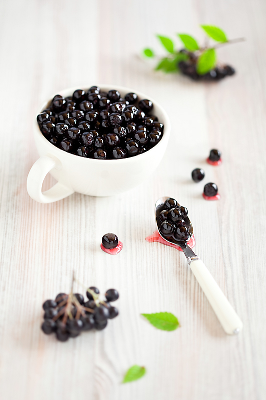 Aronia in violet syrup