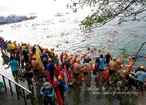 2011泳渡日月潭020.jpg