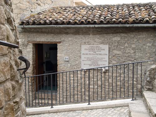 Casa natal del Padre Pio, Vico Storto Valle
