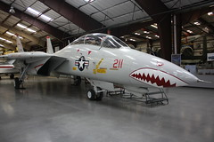 Grummann F-14A Tomcat (Inanimate Carbon Rod) Tags: museum plane canon airplane f14 space aviation air united airplanes navy pima planes states naval sundowners tomcat xsi f14a vf111 grummann 160684