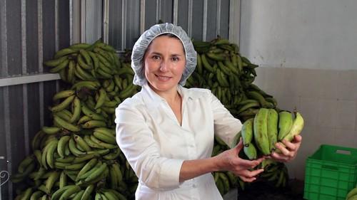 "Walmart's ""A Hand to Grow"" Program Helps Women Entrepreneurs"