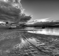 evening view with chain (njw28) Tags: bw field high sand nikon mud tide low norfolk paddle chain anchor paddling depth burnham staithe 10mm overy