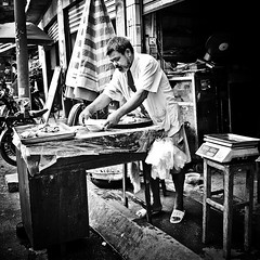 His Workshop... (imvern) Tags: china old man chicken pen work table chinese olympus butcher workshop chinadigitaltimes 365 avenue plain f28 nanning ep2 guangxi 260 day260 17mm m43 project365 xingguang microfourthirds