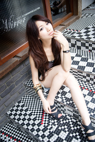[Free Image] People, Women, Asian Women, Taiwanese, 201110070900