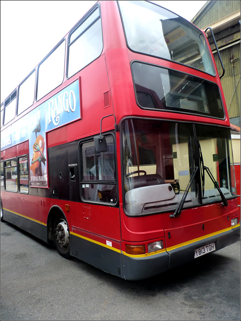 Plymouth Citybus 428 Y813TGH